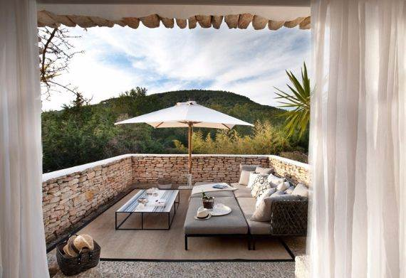 elegant-and-stylish-mediterranean-style-home-in-the-baleares-ibiza-16