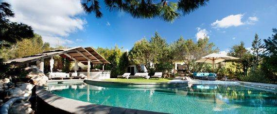 elegant-and-stylish-mediterranean-style-home-in-the-baleares-ibiza-5