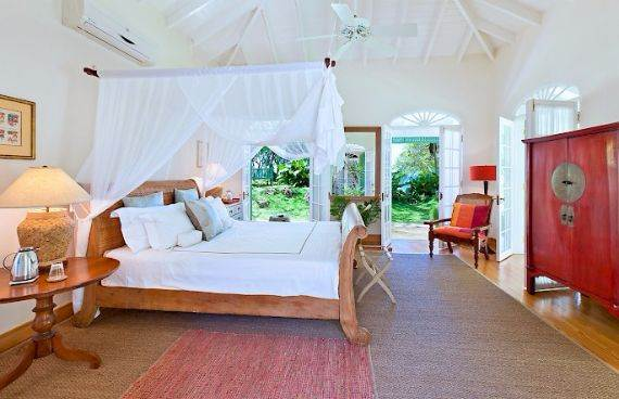 Highly Inviting Fustic House Private Estate in Barbados (35)
