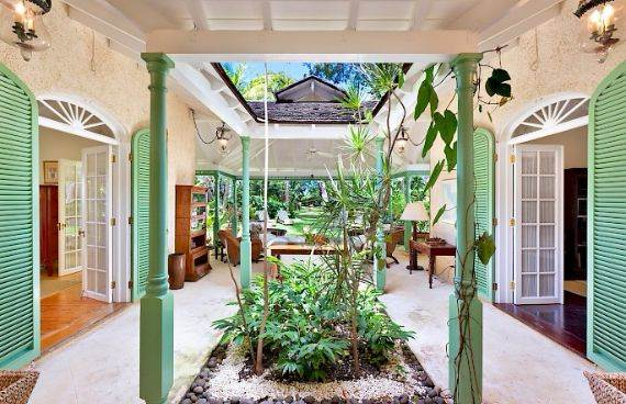 Highly Inviting Fustic House Private Estate in Barbados (36)