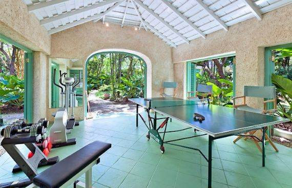 Highly Inviting Fustic House Private Estate in Barbados (37)