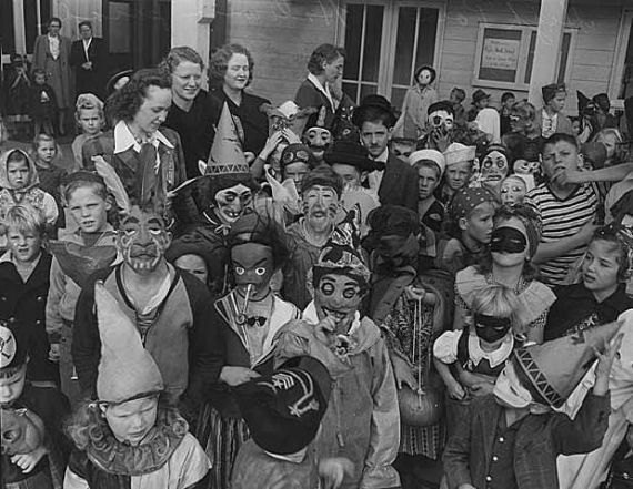 Modern Day Halloween Traditions & History (4)