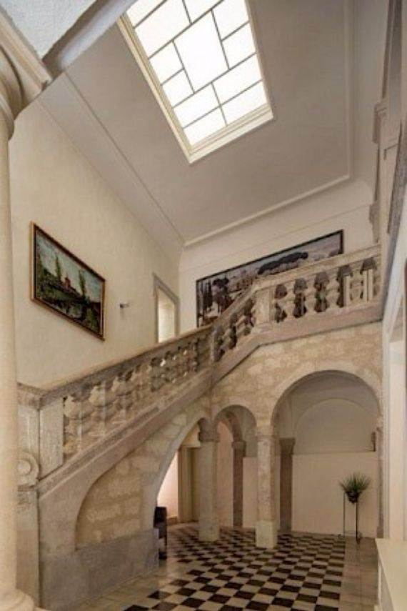 Sophisticated Traditional Details  at Chateau Alicante in France (14)
