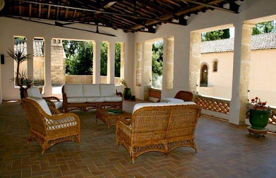 Sophisticated Traditional Details  at Chateau Alicante in France (15)