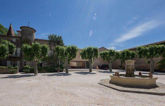 Sophisticated Traditional Details  at Chateau Alicante in France (21)