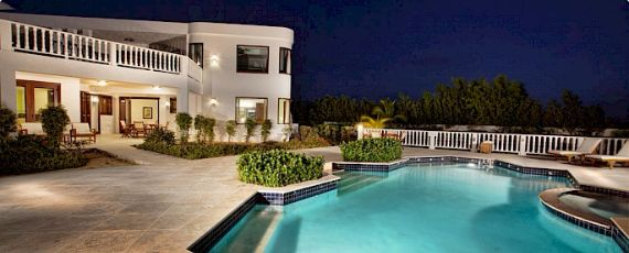 villa on pool