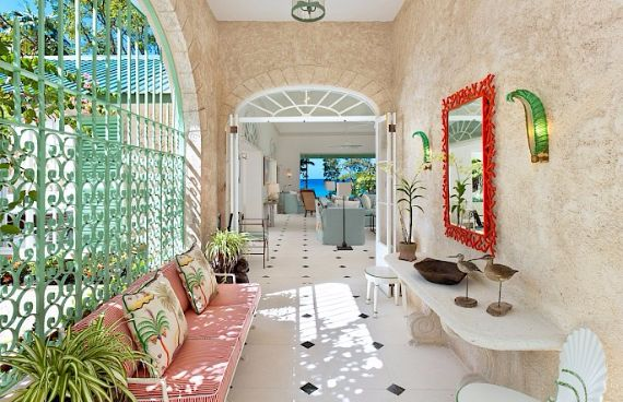 Spacious Jewelry in Barbados Crystal Springs Home  (6)