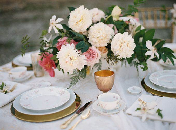 50Stylish And Inspiring Flower Arrangement Centerpieces and Table Decoration Ideas (5)