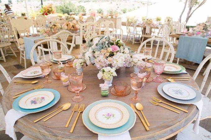 50Stylish And Inspiring Flower Arrangement Centerpieces and Table Decoration Ideas (6)