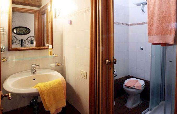 Canneto; Classic-Style Holiday villa In Siena Area (14)