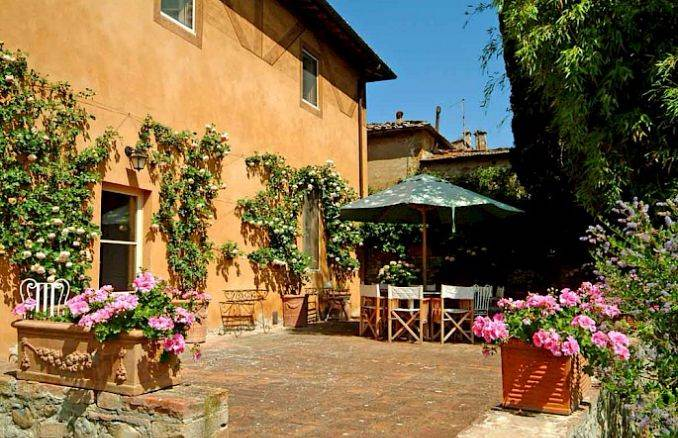 Canneto; Classic-Style Holiday villa In Siena Area (2)