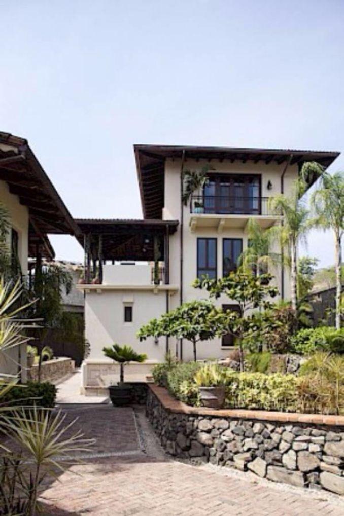 Casa Pinita - Exquisite Modern Home in Costa Rica (1)