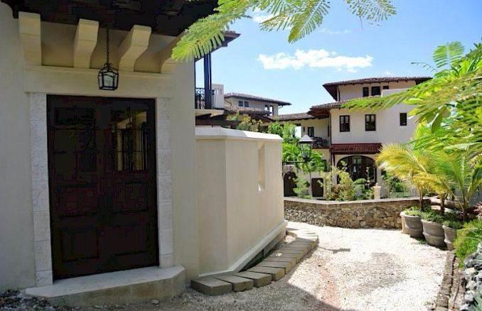 Casa Pinita - Exquisite Modern Home in Costa Rica (15)