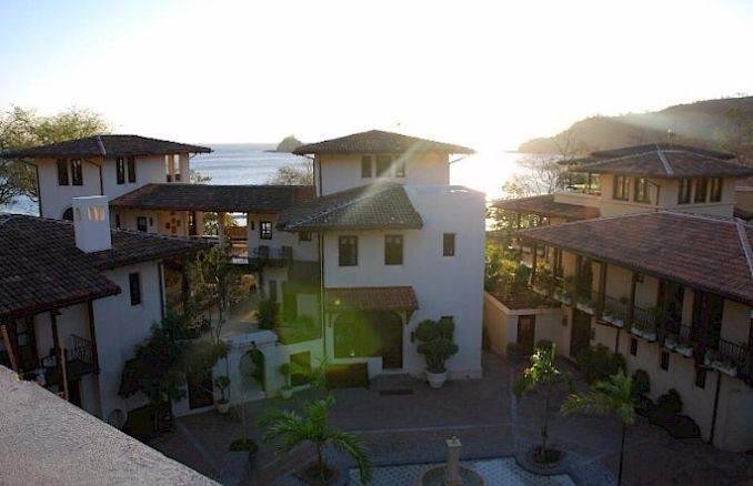Casa Pinita - Exquisite Modern Home in Costa Rica (17)
