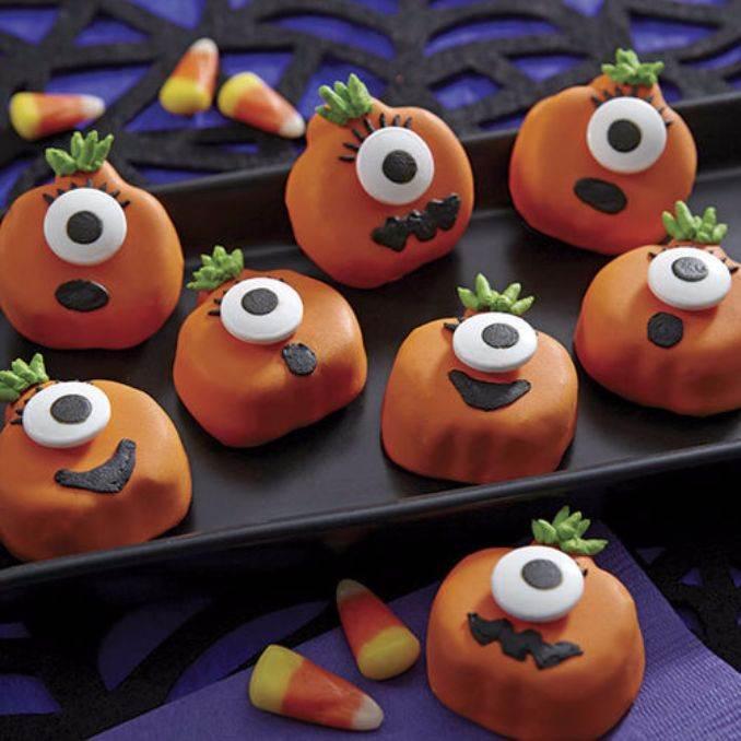 Easy Halloween Donut Treats (46)