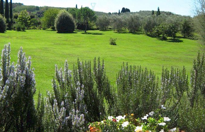 Vittoria -Breathtaking Antique Villa at Italian Countryside (14)