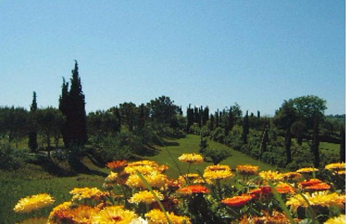 Vittoria -Breathtaking Antique Villa at Italian Countryside (7)