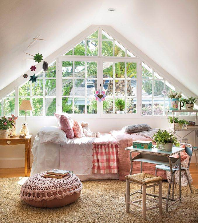 Bright Interior Country House For Family Holidays (1)