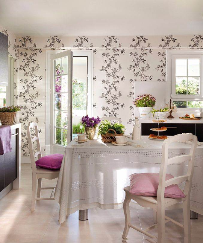 Bright Interior Country House For Family Holidays (14)