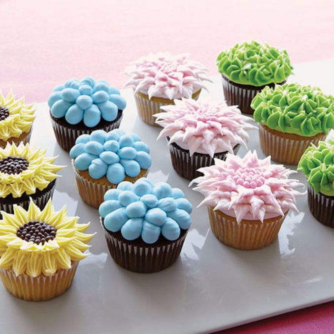 Gorgeous baby shower cakes and cupcakes decorating ideas for Baby shower cupcake decoration ideas