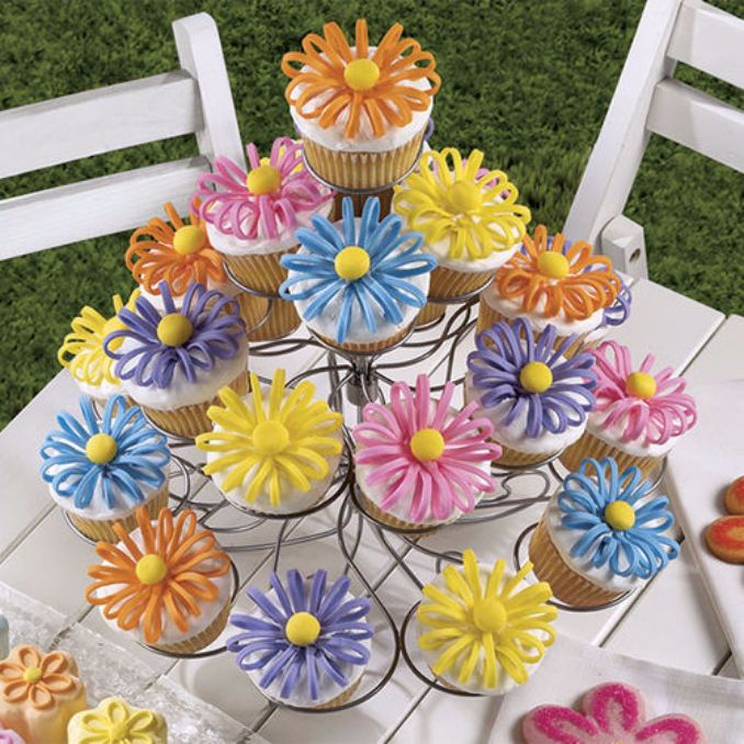 Gorgeous Baby Shower Cakes And Cupcakes Decorating Ideas (3)