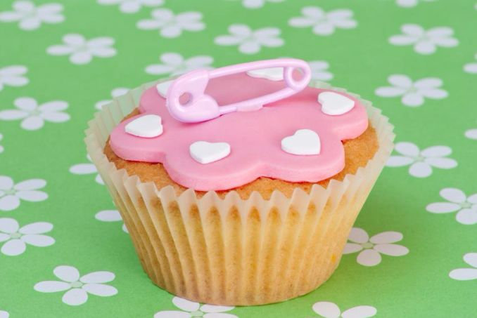 40 gorgeous baby shower cakes cupcakes ideas family for Baby shower cupcake decoration ideas