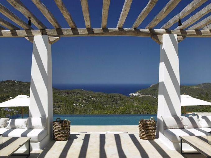 Magnificent Mediterranean villa in Ibiza (1)