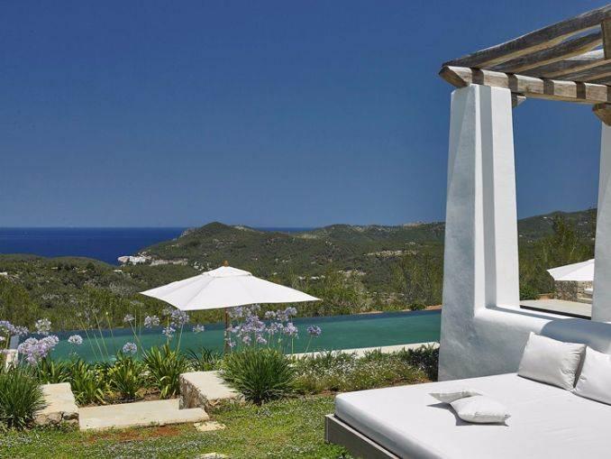 Magnificent Mediterranean villa in Ibiza (11)