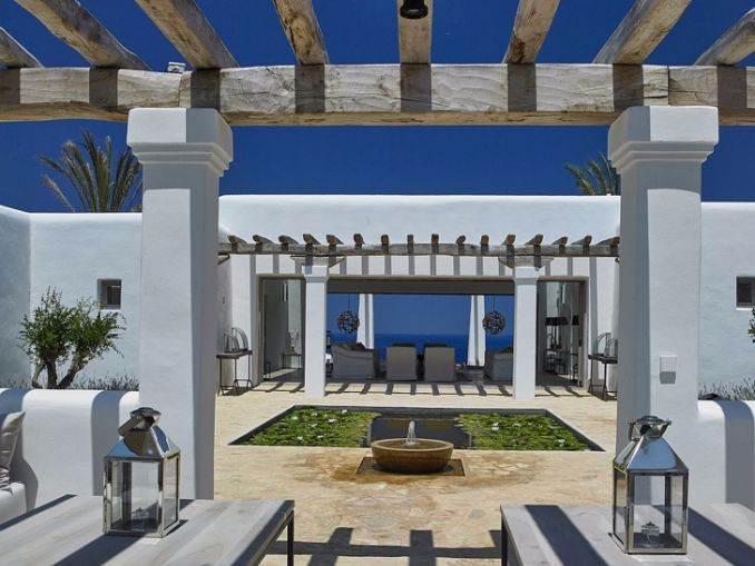 Magnificent Mediterranean villa in Ibiza (2)