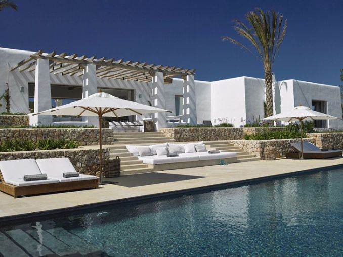 Magnificent Mediterranean villa in Ibiza (3)
