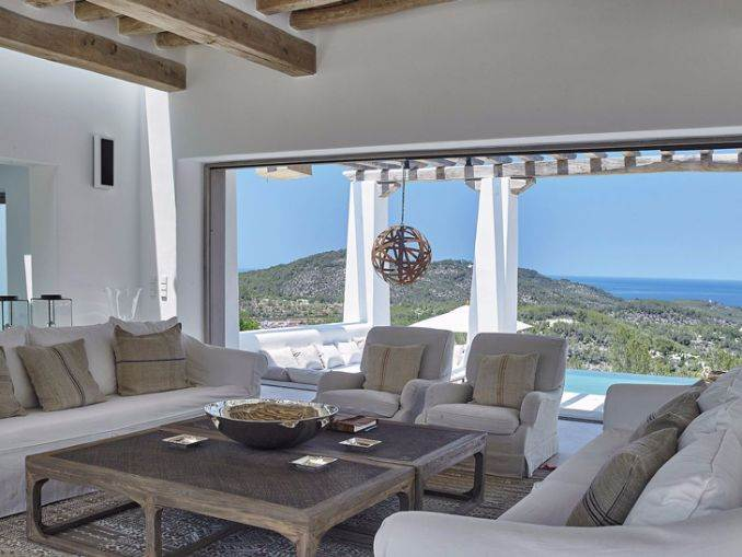 Magnificent Mediterranean villa in Ibiza (7)