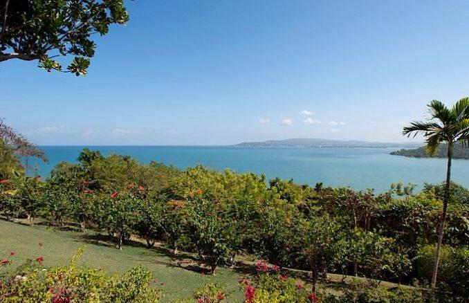Stylish Caribbean Hideaway Windsong Modern Holiday Villa (21)