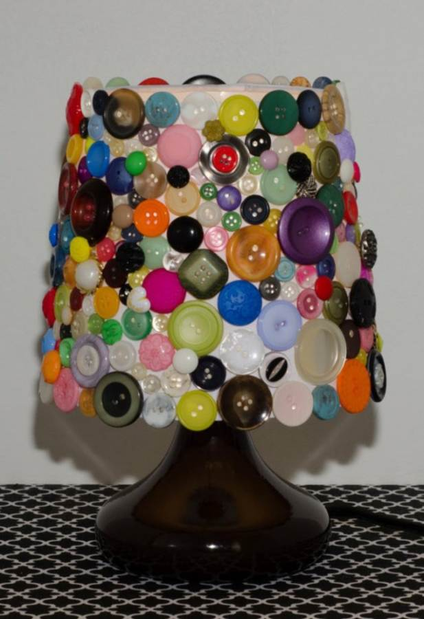 Creative DIY Craft Decorating Ideas Using Colorful Buttons (31)