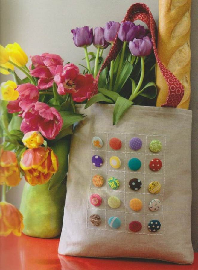 Creative DIY Craft Decorating Ideas Using Colorful Buttons (8)