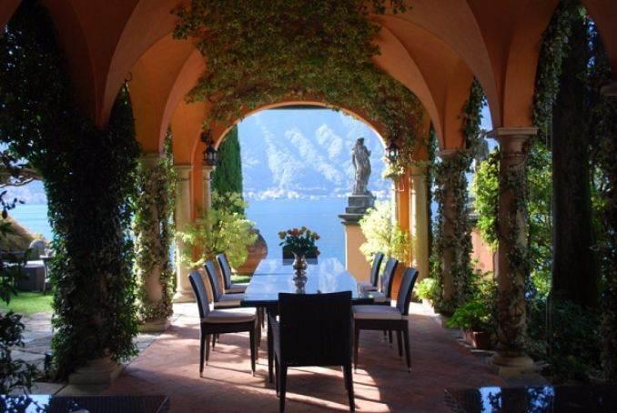 Delightful Villa On Lake Como Italy (13)