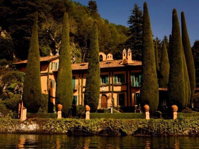 Delightful Villa On Lake Como Italy (17)