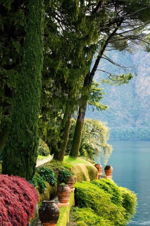 Delightful Villa On Lake Como Italy (33)