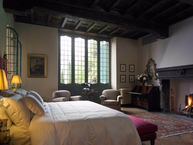 Delightful Villa On Lake Como Italy (40)
