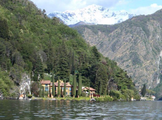 Delightful Villa On Lake Como Italy (50)
