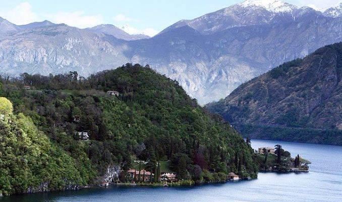 Delightful Villa On Lake Como Italy (60)