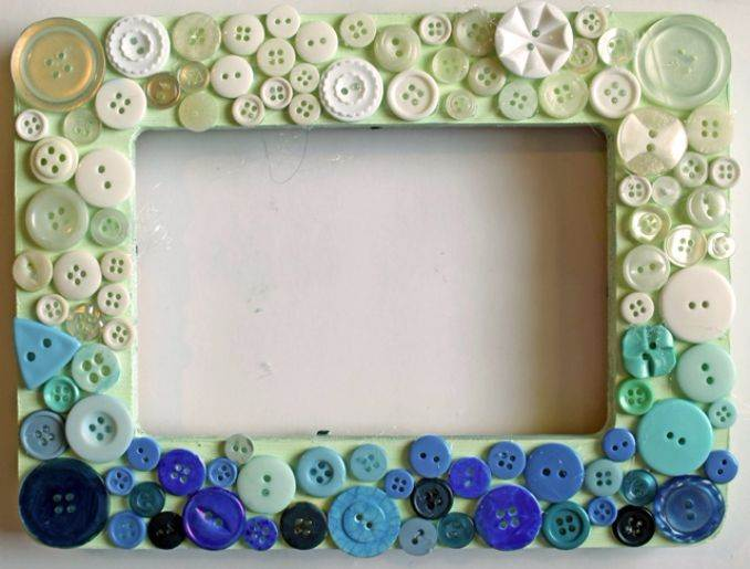 . Easy DIY Photo and Picture Frame Decorating Crafts   family holiday