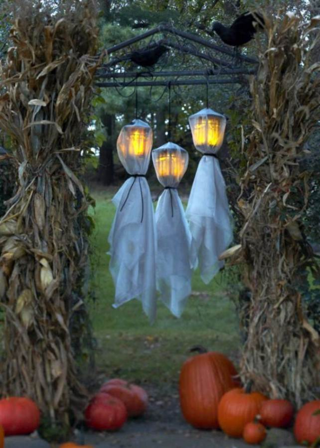 Halloween Decorations and Lights (12)