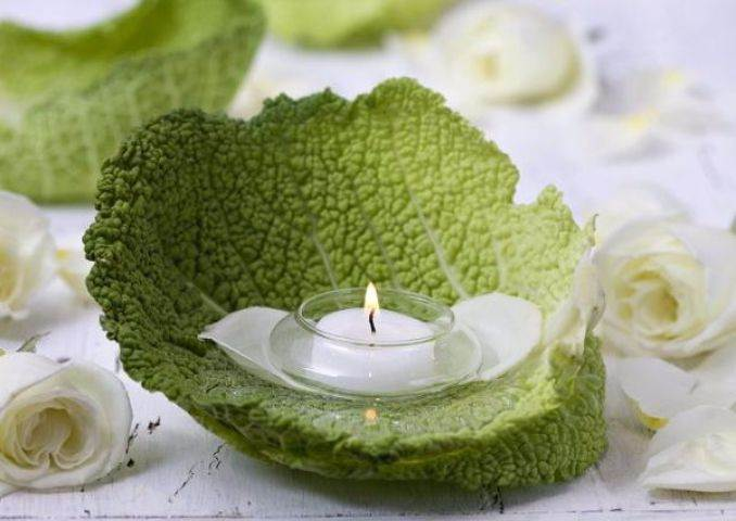 Holiday Romance In Miniature Summer Candle Centerpiece Ideas (10)