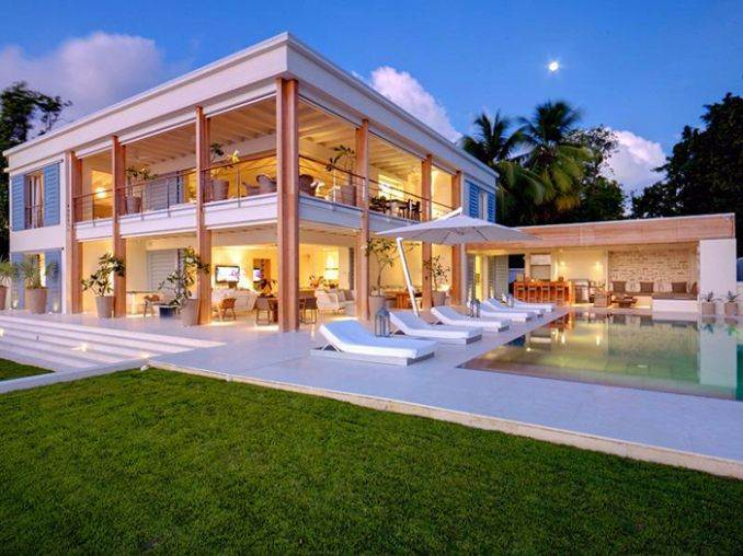 The Luxurious Beachfront Villa aptly named The Dream Barbados (1)