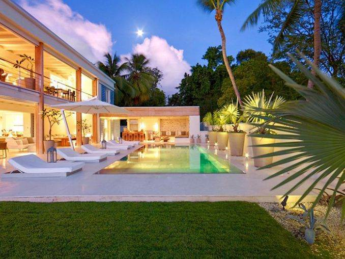 The Luxurious Beachfront Villa aptly named The Dream Barbados (2)