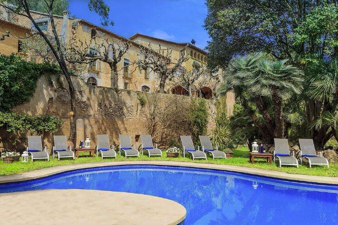 The stunning Spanish mansion Villa Catalina Barcelona (23)