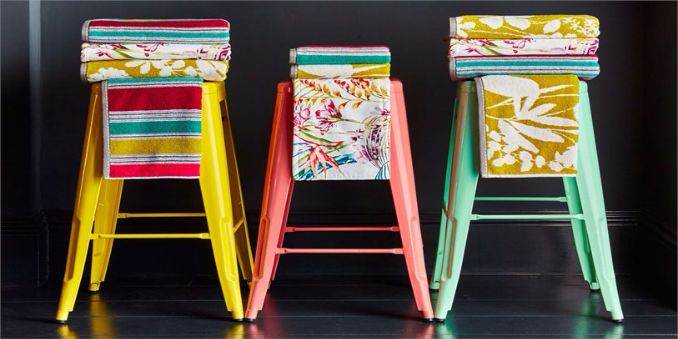 3.Harlequin-Amazilia-stripe-Nalina-Paradise-towels-luxurious-design-home-accessories