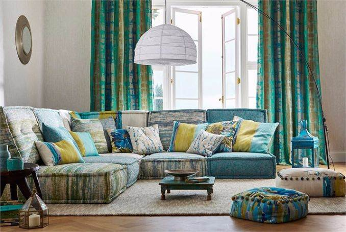 7-Harlequin-fauvisimo-fabric-flux-striped-green-gold-sgraffito-plain-upholstery-blue-green-luxurious-living-room-cushions