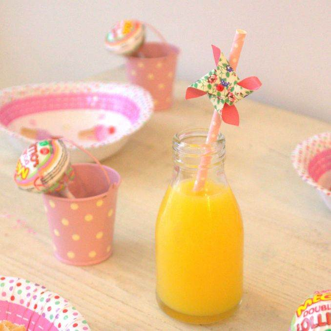 Ideas of How to Recycle Plastic Straws (4)