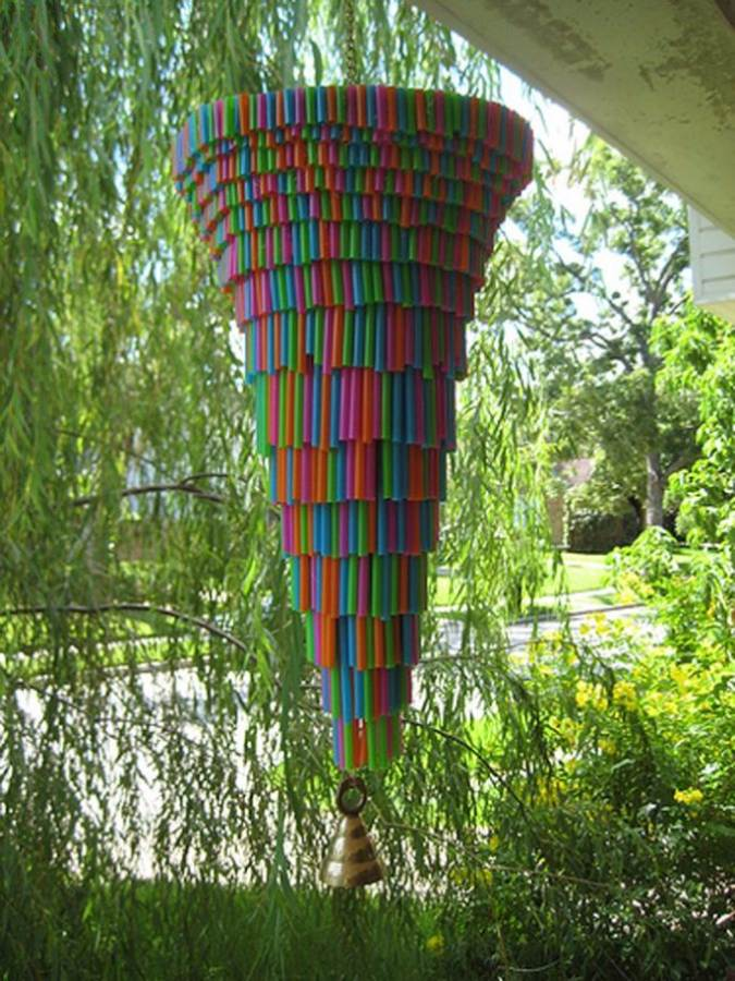 Ideas of How to Recycle Plastic Straws (5)